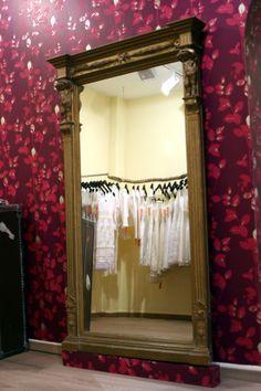 Anprobebereich La Rose Noire Couture Martin Teufl Tengstraße 36