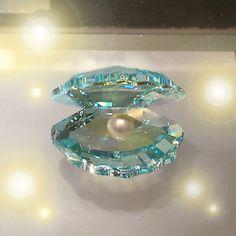 Swarovski Crystal Figurines, Swarovski Crystals, Cute Jewelry, Jewelry Accessories, Most Beautiful Images, Magical Jewelry, Glass Figurines, Fantasy Jewelry, Glass Art