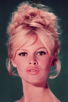 #Vintagebeauty The All-Time Most Iconic #Blondes   Daily Makeover