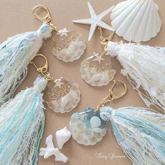 Mauve & Cream Lace Tassel Clip On Diyje - Diy Crafts Diy Resin Crafts, Easy Diy Crafts, Jewelry Crafts, Uv Resin, Resin Art, Diy Keychain, Keychains, Resin Jewelry Making, Resin Charms