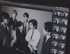 Foto Bts, Bts Photo, Bts Taehyung, Jimin, Bts Black And White, Bts Polaroid, Les Bts, Bts Aesthetic Pictures, Kpop