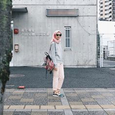 Street Hijab Fashion, Muslim Fashion, Fashion Outfits, Casual Hijab Outfit, Hijab Chic, Hijab Wear, Fashion Photography Poses, Girl Hijab, Mode Hijab
