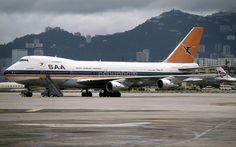 South African Airways B747-200 ZS-SAP at Kai Tak Airport 1987.