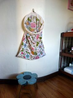 Simple and no-sew laundry hamper -- we have one for kitchen hand towels now! // emmyloubeedoo