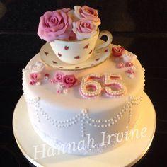 Resultado de imagen para 70th birthday cake ideas for mum