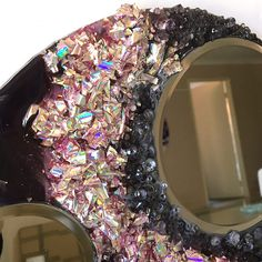 Recycling Project – Part 2 – Recycling the Foil from Old DVDs | Sue Findlay Designs Resin Crafts, Resin Art, Resin Pour, Painting Activities, Round Mirrors, Art Tutorials, Mixed Media Art, Recycling, Texture