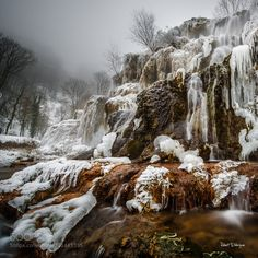 Frozen waterfall by tenchinage