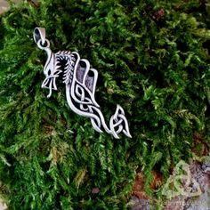 bijou pendentif collier entrelacs noeuds Celtic Dragon tribal argent massif 925 médiéval elfique gothique métal gothique mixte homme femme cadeau noël yule païen ésotérisme