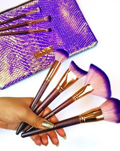 GWA's Fairytale Collection is a 17 piece makeup brush set made up of cruelty free and super soft brushes with purple ombre brush hairs combined with wooden & rose gold handles and a holographic makeup bag. Cosmetic Brushes, It Cosmetics Brushes, Holographic Makeup, Wooden Roses, Makeup Supplies, Purple Ombre, Makeup Brush Set, A 17, Cruelty Free