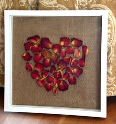 Flower Craft: Dried Rose Petal Shadow Box Transform and preserve special blooms with wall art. Flower Shadow Box, Diy Shadow Box, Flower Frame, Flower Boxes, Flower Art, Rose Petals Craft, Dried Rose Petals, Flower Petals, Dried Flowers
