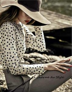 Classic Look! Polka dot blouse and oversized hat