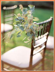 Elegant and organic wedding ideas - Wedding Sparrow Wedding Blog, Wedding Styles, Wedding Ideas, Wedding Details, Floral Wedding, Wedding Flowers, Wedding Dress Cost, Wedding Gowns Online, Cheap Wedding Decorations