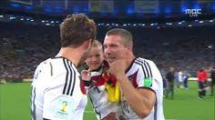 mesut özil Germany Deutschland Lukas Podolski Bastian Schweinsteiger world cup mario götze Andre Schürrle Thomas Müller