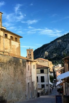 A photo diary from Mallorca in October. Photo Diary, Travel Inspiration, Like4like, Island, Adventure, Mansions, House Styles, World, Beach