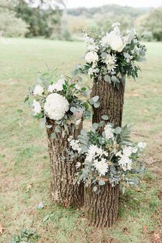 rustic stump and floral accents for wedding ceremony backdrop wedding goldwedding weddinginspo photooftheday bridestyle weddingday shesaidyes fashion pinkandgold love dreamwedding hashtag #