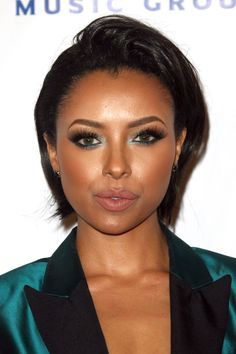 Kat Graham's emerald green eye makeup at Universal Music Group's post-Grammys party. OMG this is so beautiful