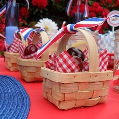 Mini Picnic Basket Party Favors