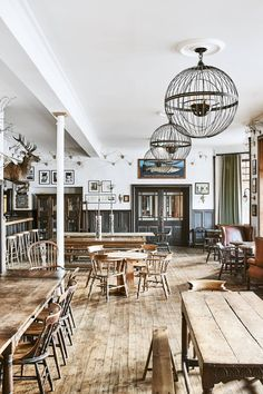 The Fife Arms, Cairngorms - Hauser & Wirth new hotel Scotland Scotland Hotels, Space Interiors, House Interiors, Rustic Interiors, Country House Interior, Private Dining Room, Big Bathrooms, Dining Room Inspiration, Country Style Homes