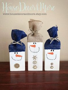 Set of 3 Rustic Wood Snowmen - Rustic Snowman Christmas Decor - Wooden Snowman Set - This set of 3 wooden snowmen are a great addition to anyones snowman collection. Wooden Christmas Decorations, Christmas Crafts To Sell, Christmas Snowman, Christmas Projects, Holiday Crafts, Christmas Ornaments, Christmas Wood Block Crafts, Christmas Bazaar Crafts, Primitive Christmas Crafts