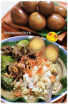 Resep Nasi Pindang Kudus sederhana step by step oleh Tintin Rayner Side Dish Recipes, Asian Recipes, Healthy Recipes, Ethnic Recipes, Food N, Food And Drink, Indonesian Cuisine, Indonesian Recipes, Malay Food