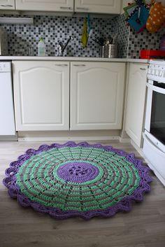 Midsummer Rose Crochet Rug - Not sure I'd want a ruffle, sticking up, on a rug.