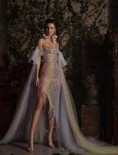 Elegant Dresses, Pretty Dresses, Beautiful Dresses, Formal Dresses, Look Fashion, Runway Fashion, Gala Dresses, Fantasy Dress, Couture Collection