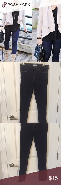 Dark Wash Banana Republic Skinny Jeans Size 27 Barely worn these skinny jeans have some stretch to them and are a dark wash. Great condition size 27. Banana Republic Jeans Skinny