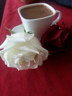 Coffee Latte Art, Coffee Love, Coffee Break, Good Morning Coffee, Beautiful Rose Flowers, Coffee Photography, Turkish Coffee, Coffee Drinks, Hot Chocolate