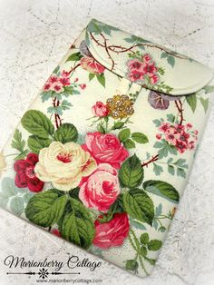 Ipad/ Tablet sleeve and cover Garden of Roses