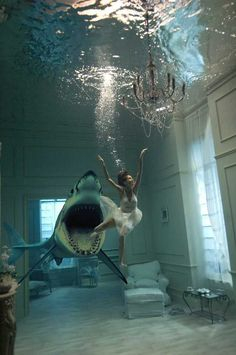 collage art / photo manipulation (reminds me of the first time I signed home mortgage papers, lol) Underwater Photos, Underwater Photography, Swimming Photography, Surrealism Photography, Art Photography, Fashion Photography, Photomontage, Film Noir Fotografie, Wow Art