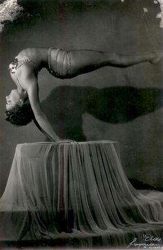Vintage Elda Luxardo Photo Young Female Acrobat Backwards Horizontal Handstand