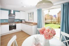 Kings Down, a development of new 3 and 4 bedroom homes in Bridgwater, Somerset. Some of the finest new homes for sale Bridgwater has to offer. Symphony Kitchen, Taylor Wimpey, Kitchen Diner Extension, Pastel Kitchen, New Homes For Sale, Home Kitchens, Wimpy, Kitchen Ideas, Kitchen Inspiration