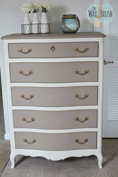 This is one of those posts that I have been dying to write! I have been using Annie Sloan Chalk Paint for the majority of my pieces over the years and have bee