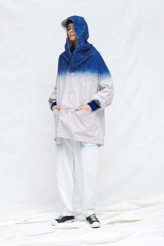 Y's Resort 2020 Fashion Show Collection: See the complete Y's Resort 2020 collection. Look 22 Japanese Outfits, Japanese Fashion, Summer Shorts Outfits, Winter Outfits, Vogue Paris, Looks Baskets, Fashion Shoot, Fashion Outfits, Fashion Clothes