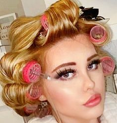 Using Hot Rollers, Roller Set, Curlers, Long Hair Styles, Beauty, Fashion, Rollers In Hair, Moda, Fashion Styles