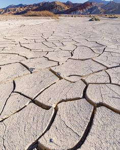 Cracks  Dry and cracked mud flats in Death Valley NP [...] #deathvalley #deathvalleynationalpark #california #photography #landscapelover #landscapephotography #mycanonstory #landscape_captures #landscape_photography #pixel_ig #landscape_hunter #splendid_earth #optoutside #discoverearth #earthfocus #awesome_earthpix #nationalgeographic #natgeo #TeamCanon #yourshotphotographer #beautifuldestinations #visitcalifornia #findyourpark #nationalparkgeek #travelphotography #theoutbound…