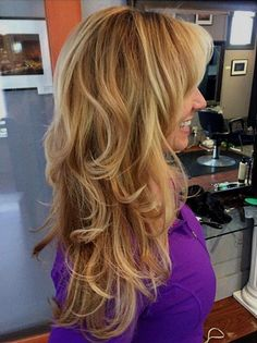 Most Universal Modern Shag Haircut Solutions long layered caramel blonde hairlong layered caramel blonde hair Modern Shag Haircut, Long Shag Haircut, Hairstyles With Bangs, Cool Hairstyles, Caramel Blonde Hair, Mid Length Hair, Thing 1, Long Layered Hair, Super Hair