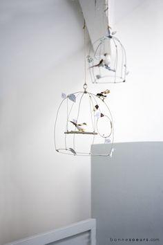 bonnesoeurs decoration le grenier s emancipe 26 bebe mobile cage a oiseaux