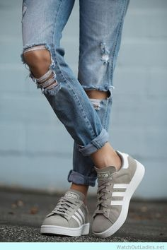 Fashionable Adidas Campus in grey suede and ripped jeans