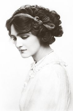 Miss Lily Elise - Singer, actress, and most photographed woman of the Edwardian era.