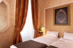 PARIS I Hôtel Saint-Paul Le Marais - 8, Rue de Sévigné, 75001 PARIS - A Twin Double Room