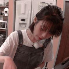☰ iu ⨟ soloist 🎪 edited by 〉 Iu Short Hair, Short Hair Styles, Korean Girl, Asian Girl, Icons Tumblr, Peinados Pin Up, K Pop, Korean Celebrities, Girl Day