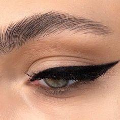 Eyeliner For Hooded Eyes, Smokey Eyeliner, Natural Eyeliner, Green Eyeliner, Gold Eyeliner, Best Eyeliner, Eyeliner Looks, Double Eyeliner, Eyeliner Waterline