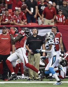 300 yards for Julio Jones! 🔥 Atlanta Falcons defeat the Carolina Panthers Bama Football, Crimson Tide Football, Atlanta Falcons Memes, Julio Jones, Carolina Panthers, Nfl, Sports Teams, Athletes, Yards
