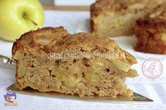 senza burro, senza olio, senza uova, senza lattosio, senza uso di robot…praticamente una torta senza niente con le mele ed è anche vegana.