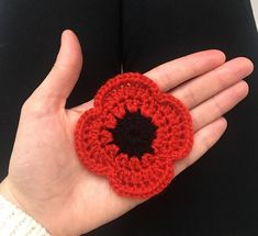 Crochet Flowers Ideas Remembrance Poppy Crochet Pattern - Nanna Kate's Crochet - Easy Crochet Poppy Pattern What you'll need: Black 8 ply Acrylic Yarn Red 8 ply Acrylic Yarn Crochet Hook (or hook size recommended for your yarn) Darning Needle Scissors … Crochet Puff Flower, Crochet Flower Patterns, Crochet Designs, Crochet Flowers, Knitting Patterns, Crochet Ideas, Unique Crochet, Love Crochet, Easy Crochet
