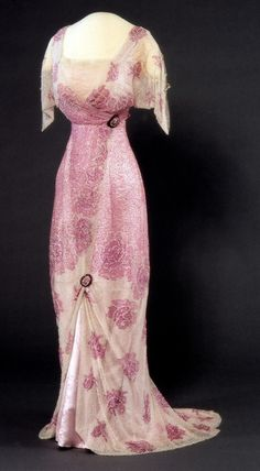 Edwardian Period Dress Nasjonalmuseet for Kunst, Arketektur, og Design 1900s Fashion, Edwardian Fashion, Club Fashion, Vintage Fashion, Royal Fashion, Emo Fashion, Vintage Beauty, Gothic Fashion, Dress Fashion