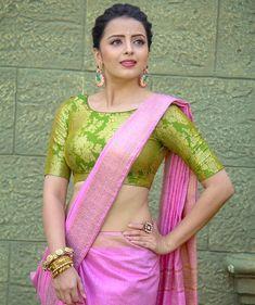 So Beautiful Girl in Cotton Silk Saree Beautiful Bollywood Actress, Most Beautiful Indian Actress, Sarees For Girls, Shrenu Parikh, Indian Tv Actress, Actress Pics, Tamil Actress, Indian Actresses, Saree Draping Styles