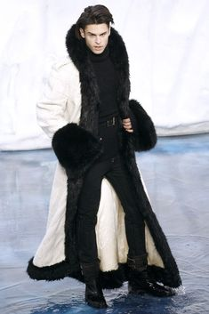 Celebrities who wear, use, or own Chanel F/W 2010 Black and White Fur Coat. Also discover the movies, TV shows, and events associated with Chanel F/W 2010 Black and White Fur Coat. Chanel Men, Chanel Fashion, Fur Fashion, Winter Fashion, Fashion Show, Mens Fashion, Fashion Design, Chanel Black, Coco Chanel