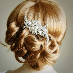 Bridal Hair Comb, Art Deco Crystal Rhinestone Wedding Hair Comb, Old Hollywood Glamour Wedding Hair Accessories, Vintage Inspired, WHITNEY – Bridal Head Glamour Hollywoodien, Glamour Vintage, Vintage Bridal, Vintage Hairstyles, Pretty Hairstyles, Wedding Hairstyles, Hairstyle Pics, Hair Comb Wedding, Wedding Hair And Makeup